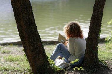 たまには外で読書 読書 外おすすめ場所